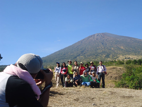 Sir Andi and 6 colleagues, Hiking Mount Rinjani package 5 Days 4 Nights | by Trekking Rinjani