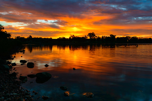 sunrise reflection glow water clouds prospectlake coloradosprings memorialpark geese cplfilter glowingrocks