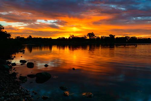 sunrise reflection glow water clouds prospectlake coloradosprings memorialpark geese cplfilter glowingrocks
