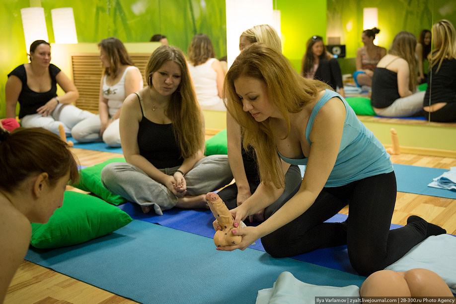 Girls at training Art of Thai Sex | Ilya Varlamov | Flickr