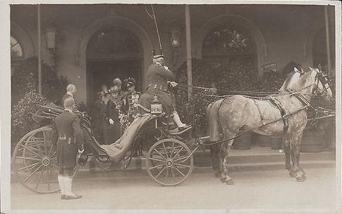 Herzogin Thyra von Cumberland mit Sohn Ernst August von Hannover
