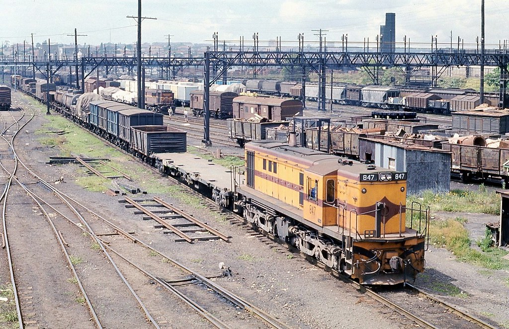 21/11/1974 847 @ Enfield Yards by John  Hammett