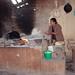 Haciendo tortillas - Making tortillas;  Yutanduchi de Guerrero, Región Mixteca, Oaxaca, Mexico por Lon&Queta