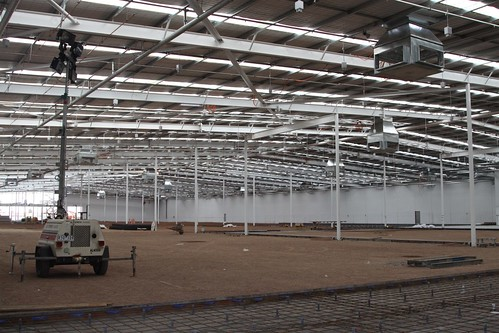 Fitting out a new Bunnings Warehouse store