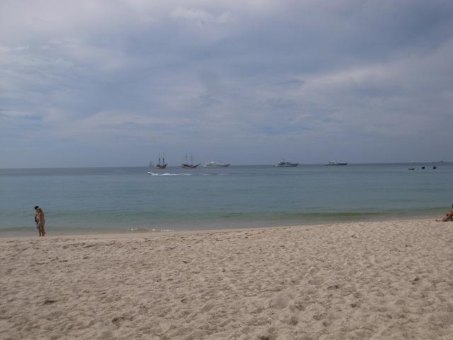 <p>h)バンタオビーチ</p>
