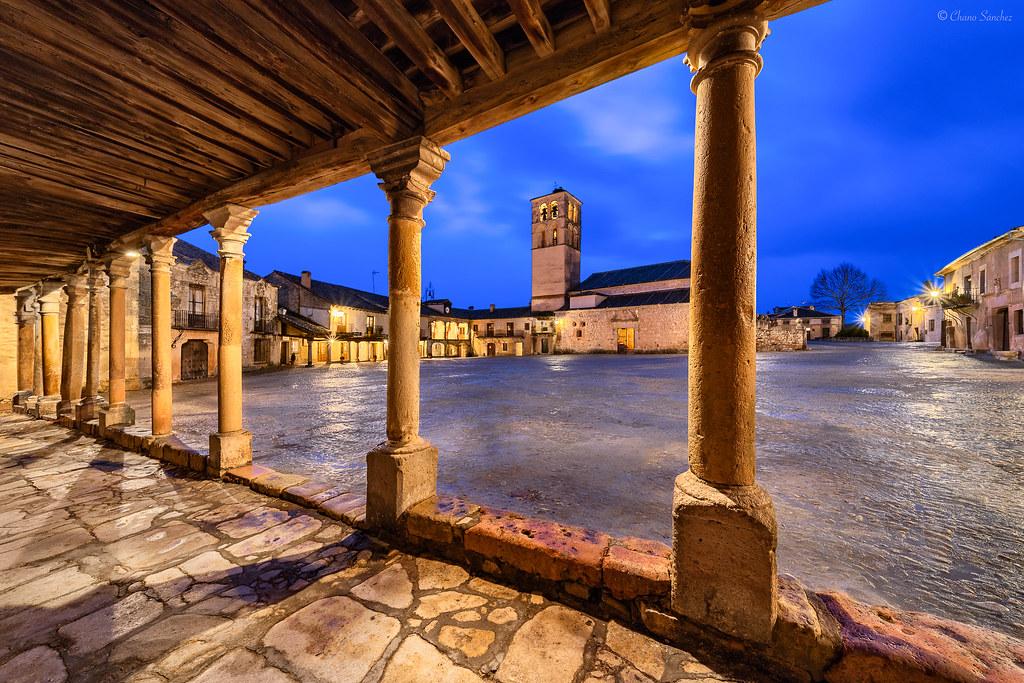 From the Arcades || Desde los Soportales (Pedraza, Provincia de Segovia. Castilla y León)