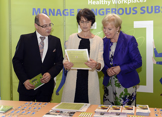 24/04/2018 - 13:48 - from left to right: Lazar Lazarov, Bulgarian Deputy Minister of Labour and Social Policy, Marianne Thyssen, Commissioner for Employment, Social Affairs, Skills and Labour Mobility, Christa Sedlatschek, Executive Director for EU-OSHA