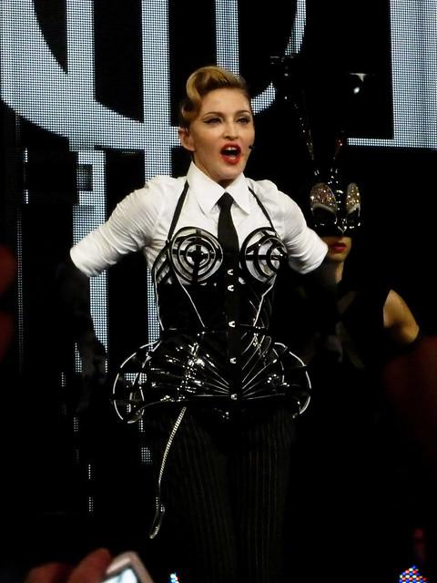 Madonna - MDNA Tour - Olympia, Paris (2012)