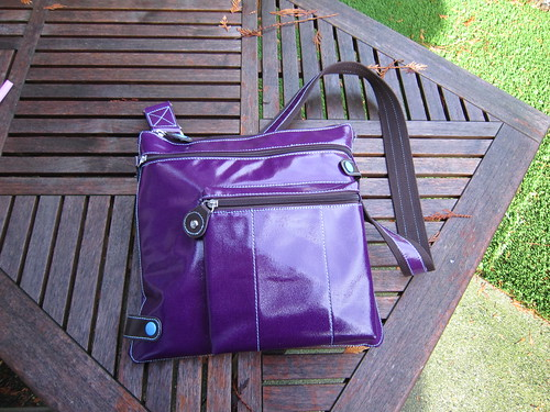 Front - Urban Junket's Jen Powered Crossbody iPad Bag | by ~kate~