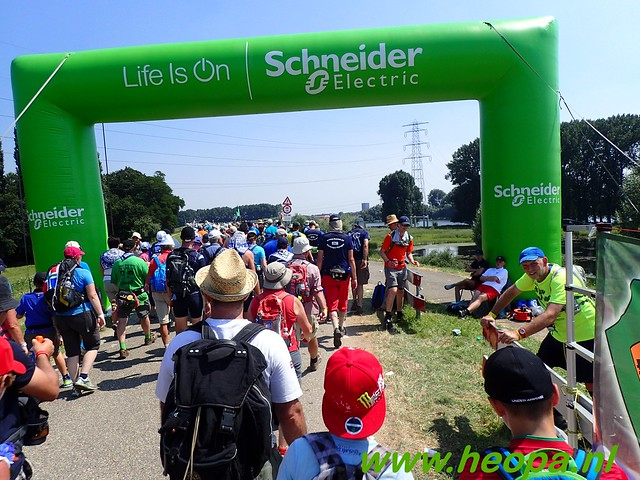 2016-07-19   1e dag Nijmegen    40 Km (107)