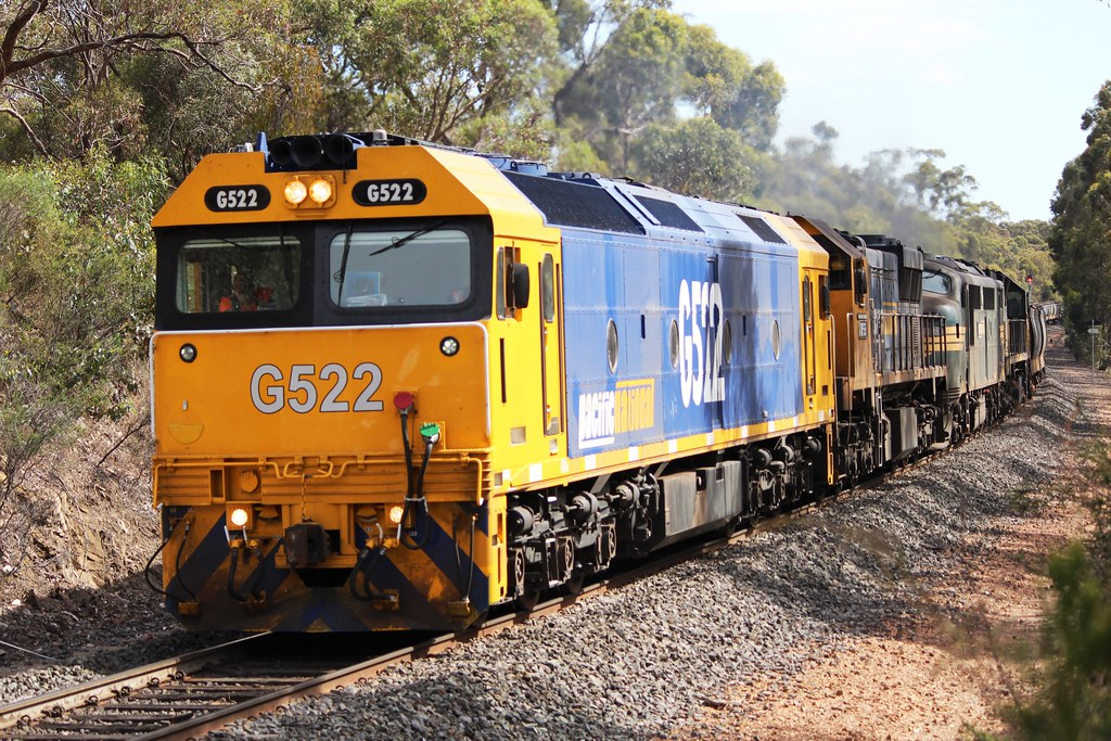 G522, XR551, A81, XR552 on 9028 by Greensleeves.94