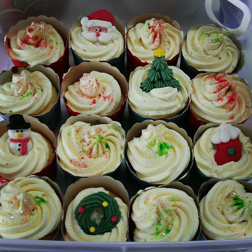 My Limoncello cupcakes for our work xmas party at @stamfordUX | by laRuth