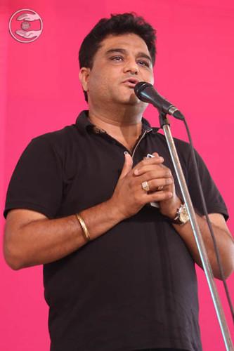 Devotional song by Vivek Dhingra, Rani Bagh, Delhi