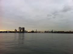 金, 2012-10-26 08:12 - East River FerryのGreenpoint桟橋