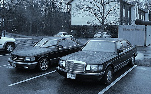windows two hardtop car 30 sedan vintage mercedes benz is long diesel body quality style safety full more riding same short mercedesbenz era series features they motor 1991 but chassis gasoline coupe conventional v8 56 126 turbocharged powered sclass obstruct exceptional luxurycars retracting liters wheelbase bpillar w126 durability pillared 300sdl twocars inlinesix fourdoorsedan wellbuilt 560sec c126 modelyear
