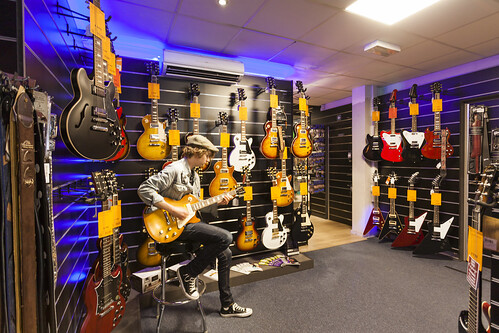 KEYMUSIC Ghent | Music Store, Guitar Shop, Musical Instruments