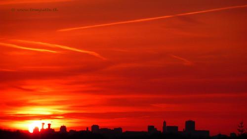 travel sunset sky cloud sun holland color colour nature netherlands dutch clouds zonsondergang europe utrecht skies view apartment dom air natuur wolken sunsets scene panasonic sunrises lucht zon zeist webshots tz5