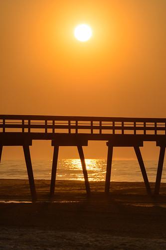 beachsunrise fishingpier beach sunrise dawn newjersey jerseyshore avalonnj
