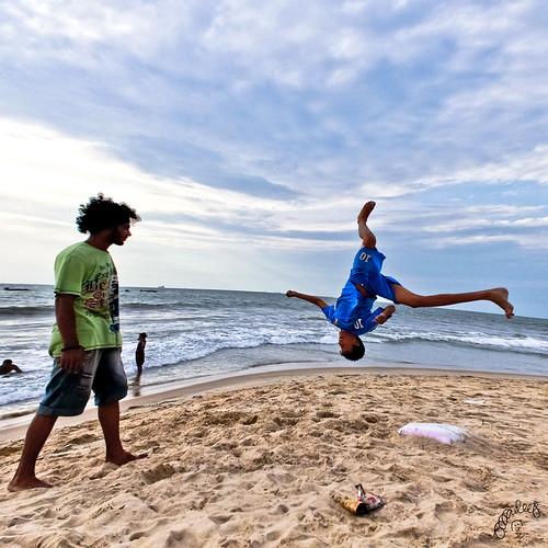 sunset jump fisheye acrobatics dancemoves dancetroupe spacewarp sandwater canon600d