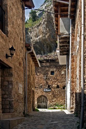 Orbaneja del Castillo 9 | by Jim Anzalone
