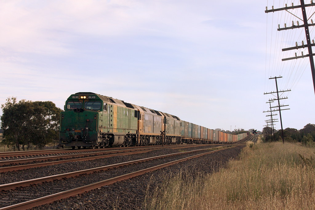 Green DL Leading by LC501
