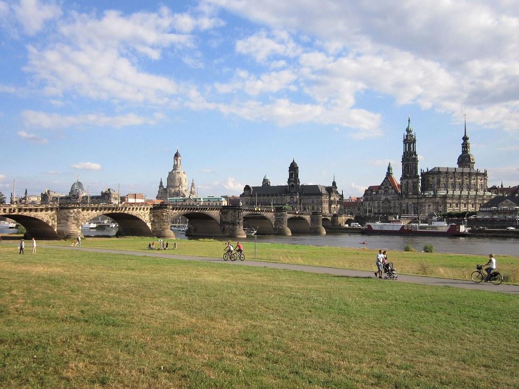 Veduta di Dresda dalla riva destra dell'Elba, sulle orme del pittore Bernardo Bellotto