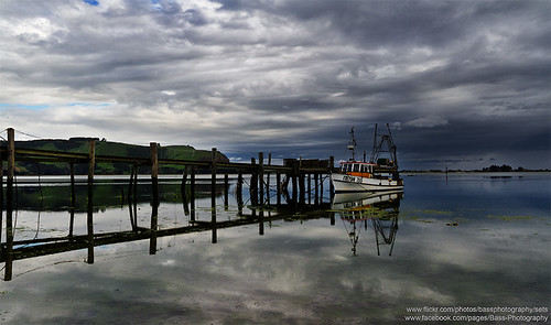 wood newzealand cloud reflection water pier boat otago dunedin otagopeninsula portabello otakou