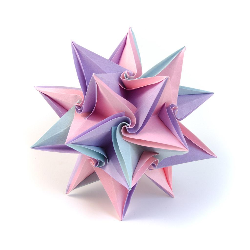 saxeovitae: DIY a curved origami sculpture- a arte de papelar | 1024x1024