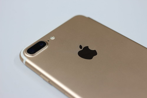 New Apple iPhone 7 Plus | by pestoverde