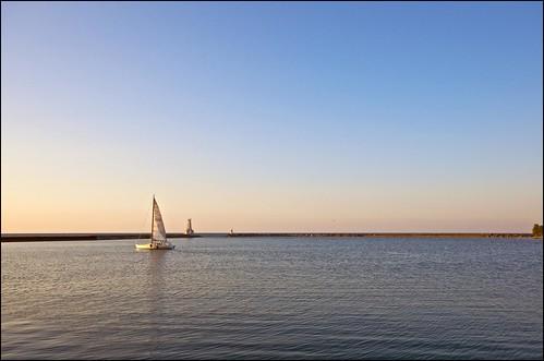 morning ontario sunrise boat harbour sail lakeontario cobourg
