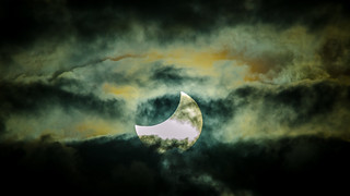 Approaching the total solar Eclipse Nov 2012 | by James Niland