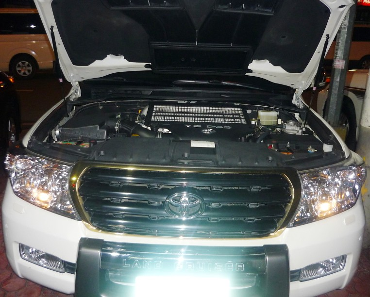2010 Toyota Land Cruiser GXR diesel 4 5 D4D Diesel Engine … | Flickr