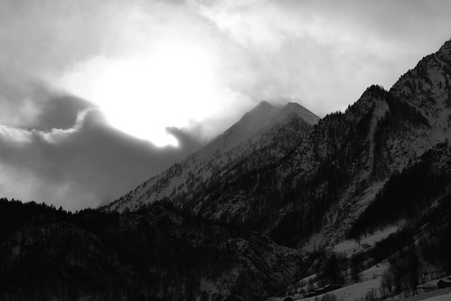 winter bw italy sun mountain snow mountains alps monochrome fog clouds montagne blackwhite nikon italia nuvole piemonte desaturation neve sole nebbia inverno alpi montagna piedmont monti monocromatico desaturazione nikkor1855 prali ghigo ghigodiprali valgermanasca d3100