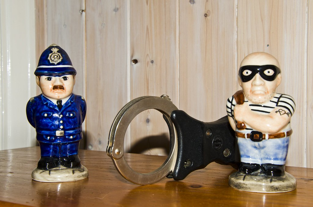 101 Non-Emergency Number - Cops and Robbers | This #wmp101 w