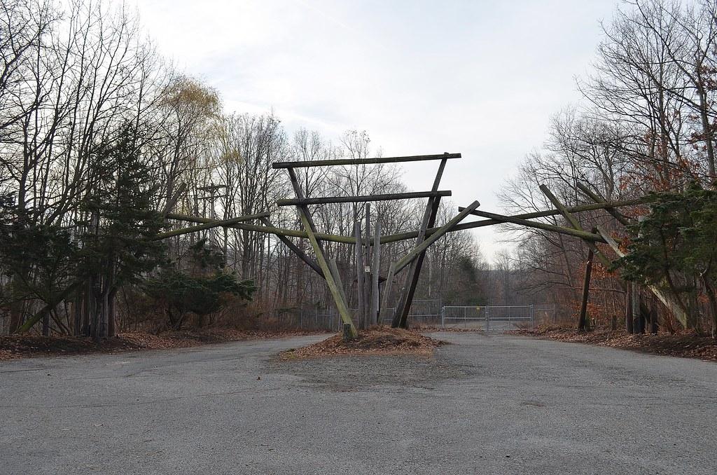 Warner Brother's Jungle Habitat Main Gate