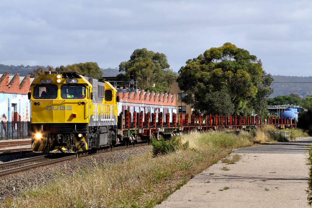 GML10 Empty ARTC Rail Train Keswick 05 12 2012 by Daven Walters