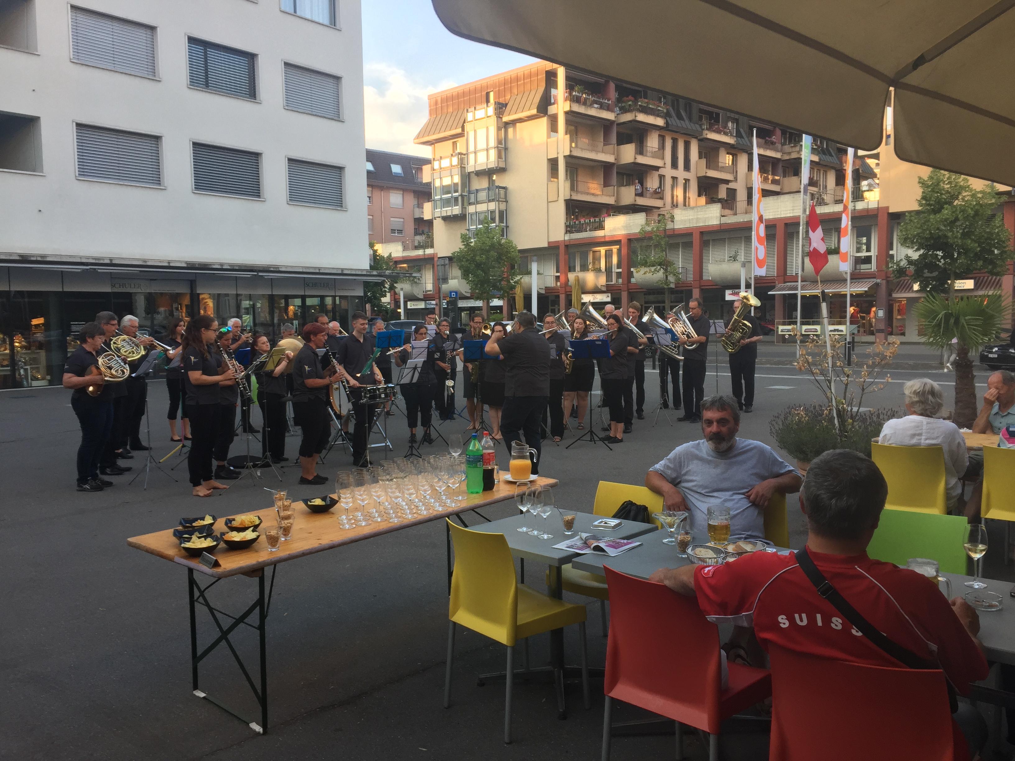 Ständli vor dem Bistro Novum in Horw (04. Juli 2018)