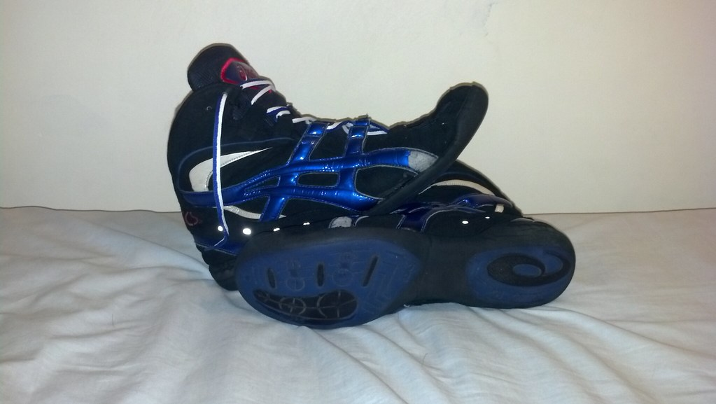 rare asics wrestling shoes