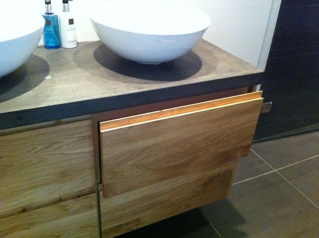 Goede ikea badkamer meubel met nieuwe fronten en betonnen blad | Flickr XE-38