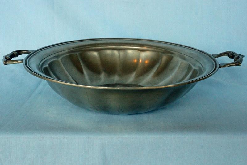 DSC01393 Belgian Pewter Bowl by Les Potstainiers Hutois