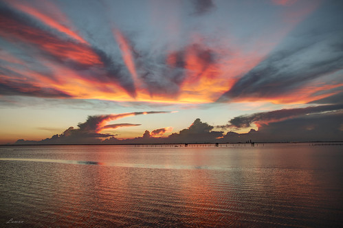mobile alabama daphne bayfrontpark sunset pier fire orange pink blue clouds water colors pentax k50 sigma 1750
