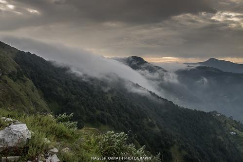india holiday broadcast fog clouds hills kumaon clubmahindra patli uttarakhand rollingclouds naukuchiatal pangot binayak nainitaldistrict clubmahindradancingwaters