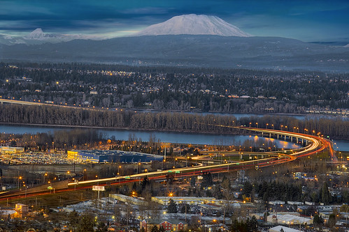 bridge winter mountain snow oregon season landscape evening airport highway traffic dusk freeway pacificnorthwest pdx rushhour bluehour mountsthelens willametteriver hdr columbiarivergorge i205 3xp canonef100400mmf4556lisusm canoneos60d