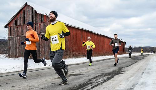 winter race running run 10k runners racers newyearsday 2013 sawmillriverrun2013
