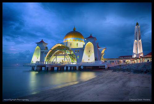 longexposure sunset sea storm landscape nikon scenery dusk mosque malaysia bluehour lightning nikkor melaka vr d600 2485 abigfave flickraward masjidselatmelaka