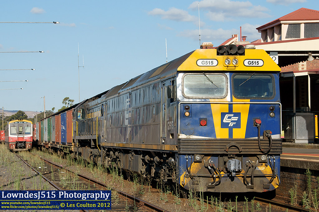 G515 & X31 at Seymour by LowndesJ515