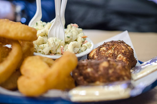Crab cakes and sides at LP Steamers