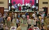 Applaus der Fans und Zugaben der Blaskapelle durchziehen wie ein Leitmotiv die Tanzunterhaltung
