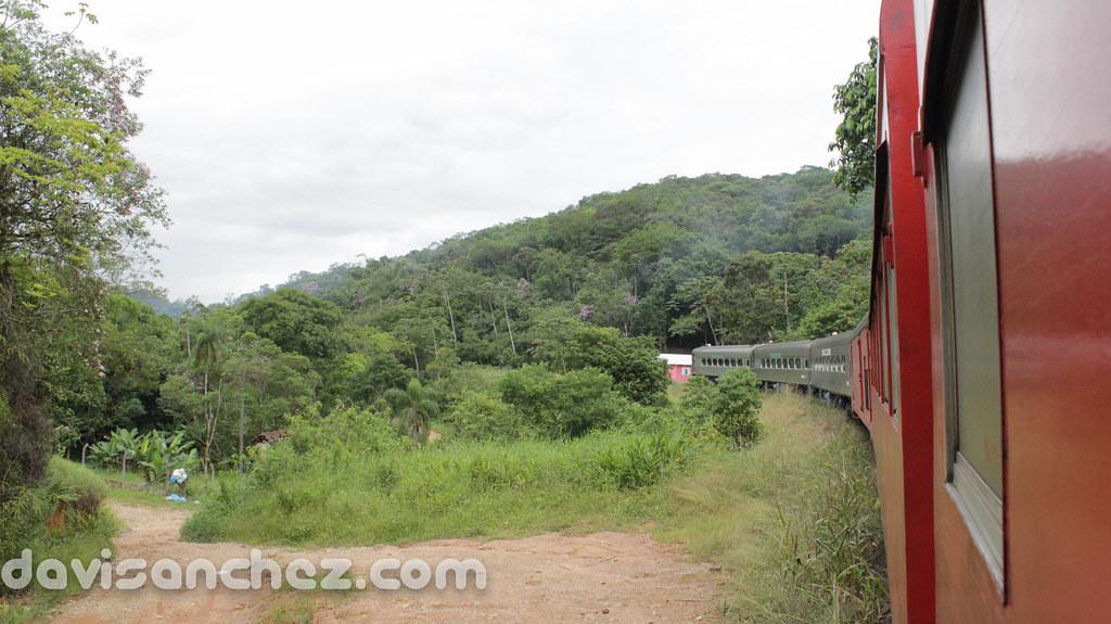Trem Paranaguá - Curitiba