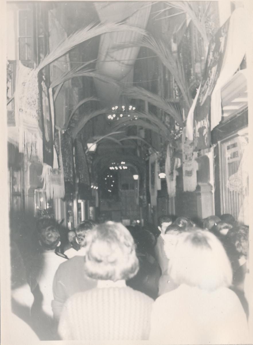Decoración para el Corpus Christi en Toledo en 1962. Fotografía de Julián C.T.